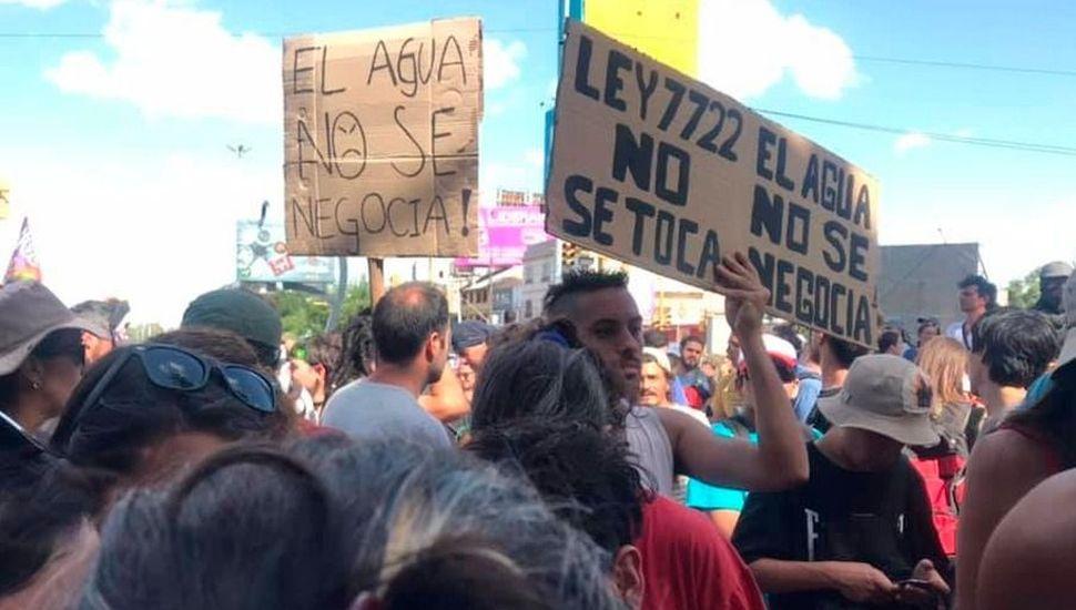 Mendoza: el gobernador suspendió la reglamentación de la ley minera