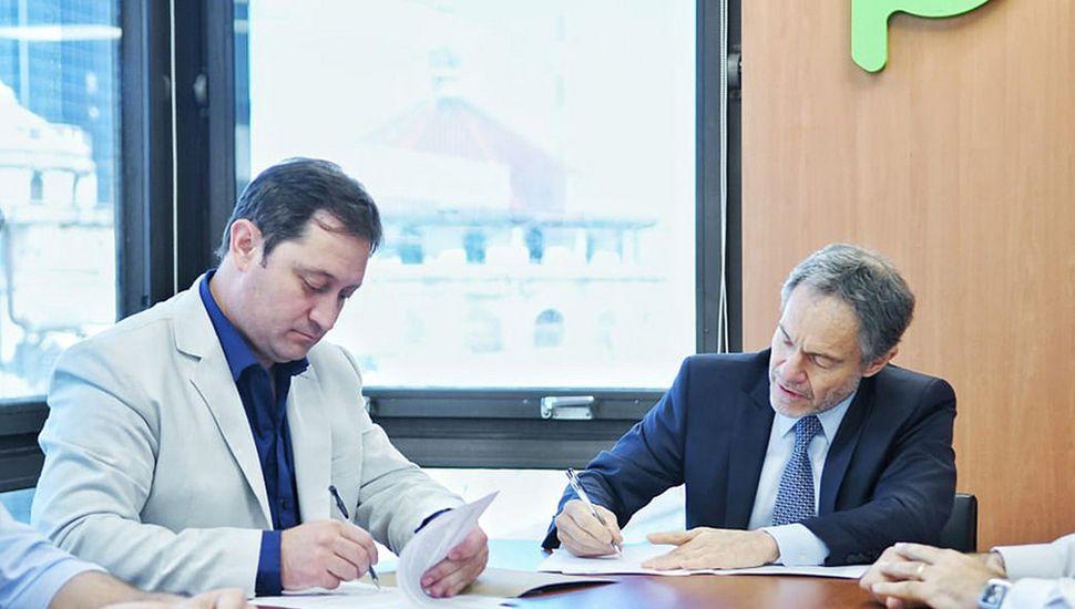 Firma del convenio entre el Municipio y el Ministerio de Justicia.
