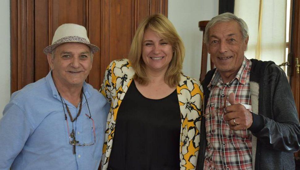 Erica Revilla recibió a los payasos Patagonia y Papelito