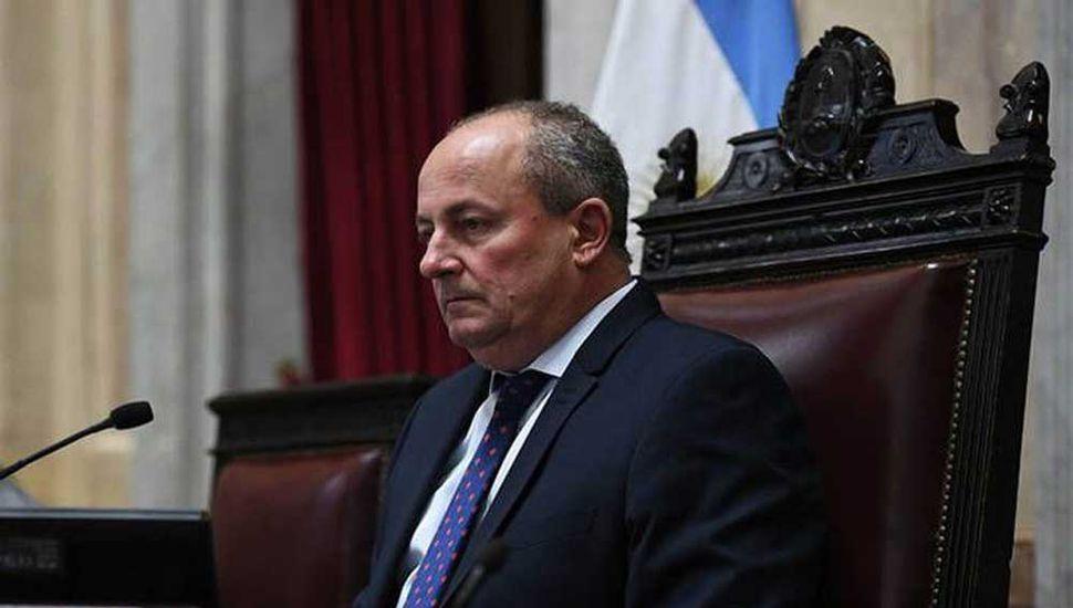 En pleno recinto, el senador Marino negó la denuncia de abuso