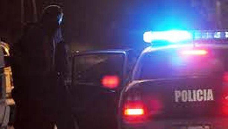 Efectivos policiales trabajaron en el lugar del hecho.