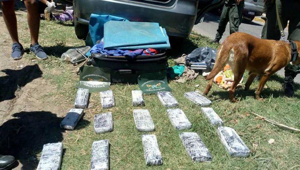 Incautaron 13 kilos de marihuana y se detuvo a seis sospechosos.