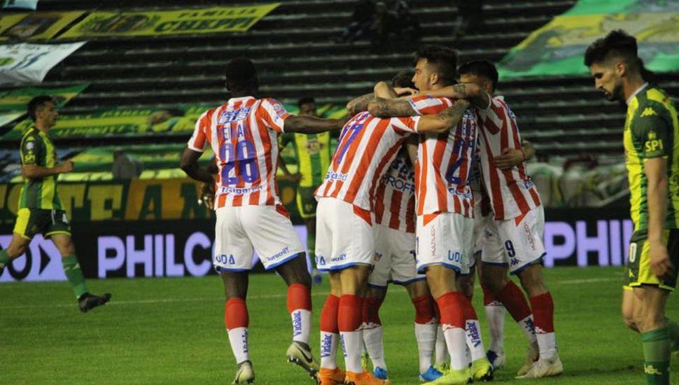 Unión festejó un gran triunfo en Mar del Plata.