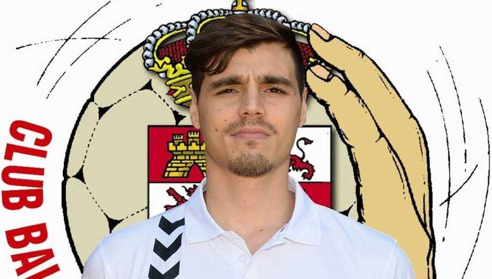 Fabrizio con la casaca de Santoña. En la próxima temporada jugará para el Torrelavega.