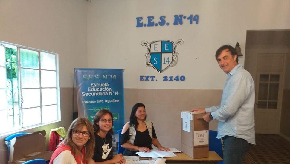 Esteban Bullrich y Manuel Llovet votaron en Agustina