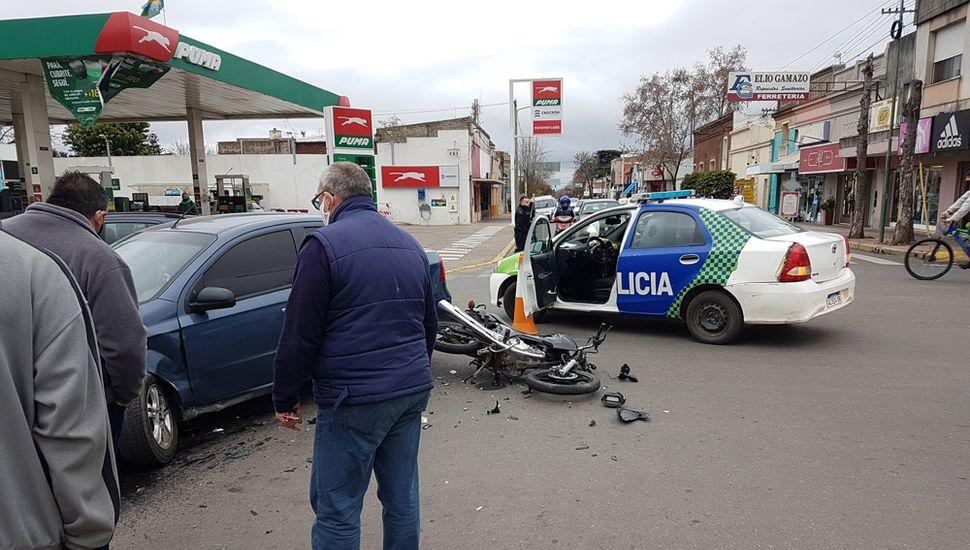 Fuerte choque en avenida San Martín y Primera Junta.