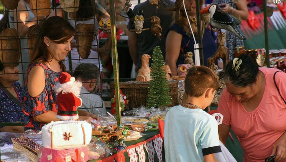 Exitosa Feria Navideña de emprendores locales