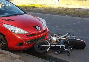 Un joven se accidentó  en dos ocasiones y  con distintos autos