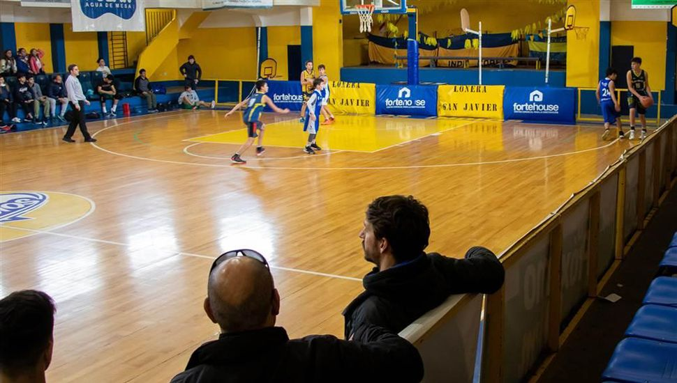 El básquet en el club Los Indios.
