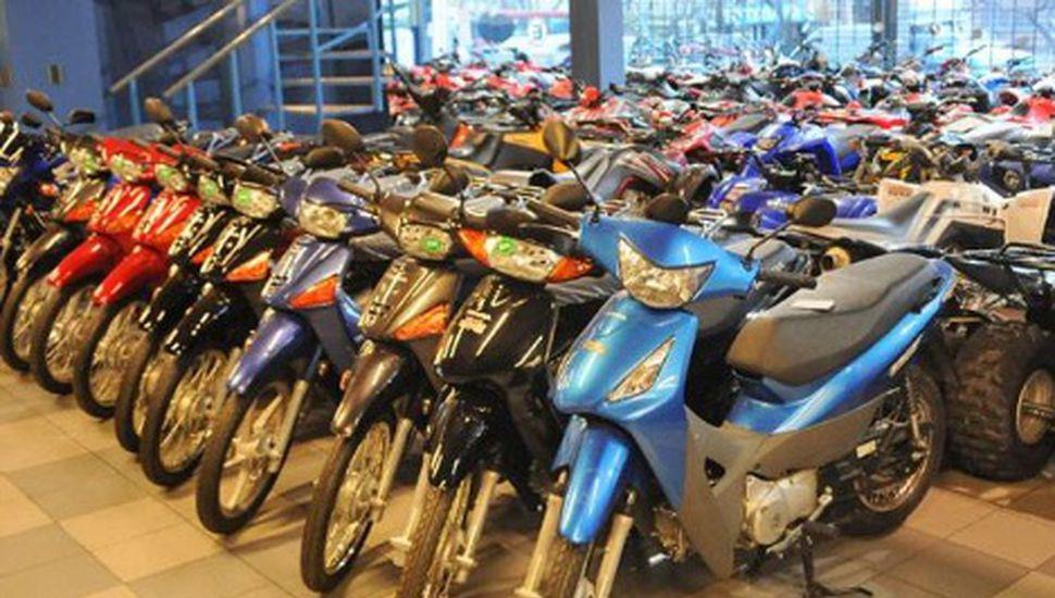 Clausuraron un local de venta de motos en Viamonte