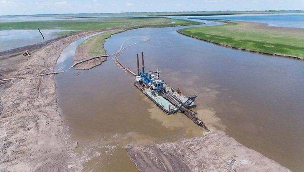 Resultado de imagen para Avanzan obras en el río Salado para recuperar más de 1 millón de hectáreas productivas