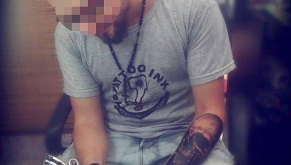 Un tatuador mató a un ladrón que le robaba  la batería del auto