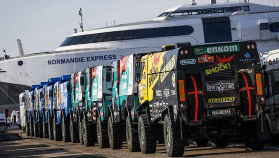 Los vehículos del Rally Dakar ya llegaron a Perú.