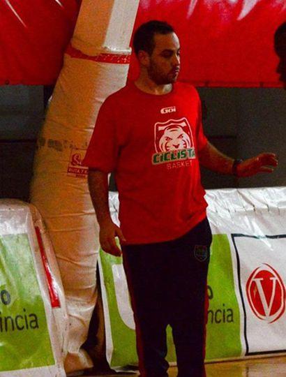 Manuel Jápez podría continuar como director técnico en el próximo Torneo Federal.