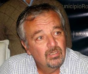 El intendente Claudio Rossi en la Municipalidad de Rojas.
