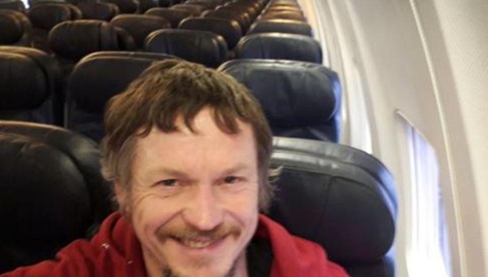El misterioso caso del hombre que viajó solo en un Boeing 737 de Lituania a Italia