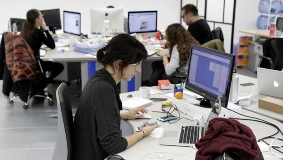 El 48% de las empresas argentinas prevé reducir sus oficinas
