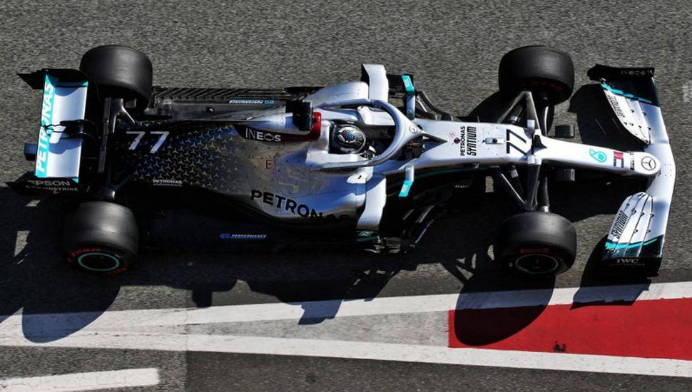 Mercedes Benz hizo 1-2 en los ensayos de la Fórmula 1 Internacional, en el circuito de Montmelo.