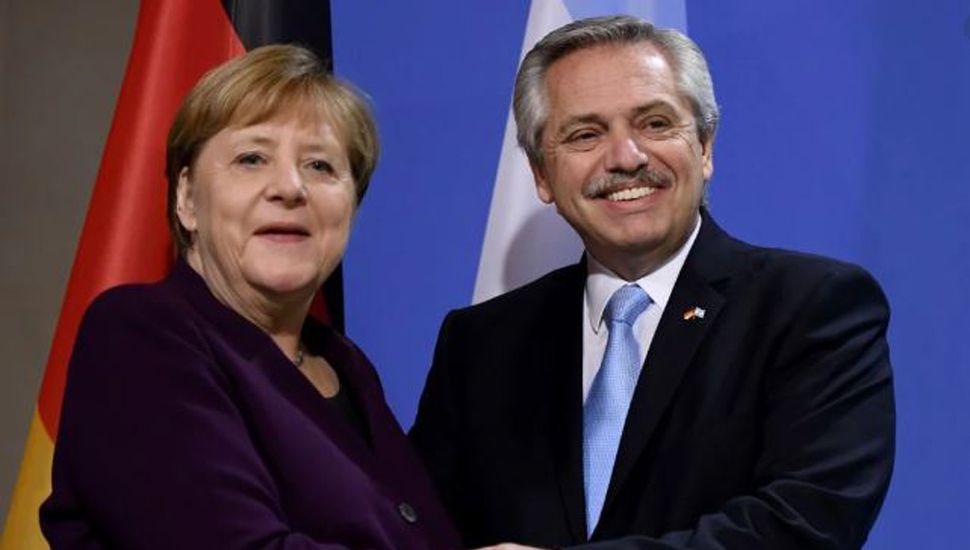 """Merkel, con Alberto: """"Hablaremos sobre el acuerdo con el FMI"""""""