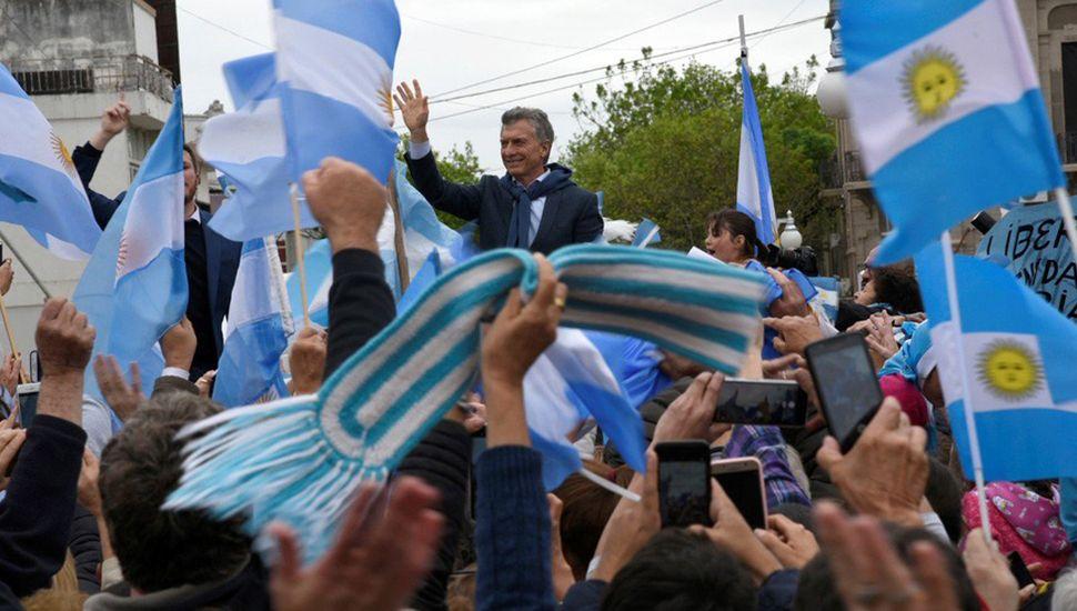 """Mauricio Macri pidió fiscalizar el voto """"para que no haya picarones"""""""