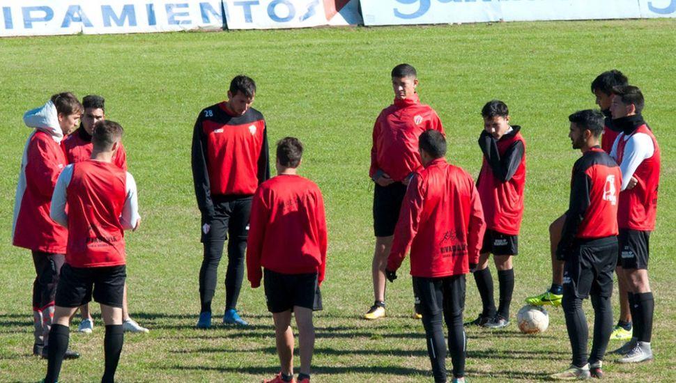 Último entrenamiento de Rivadavia (L). (Foto: golazodeportivo.com.ar)