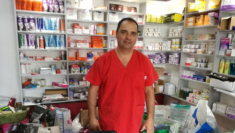 Alejandro Panet abrió su veterinaria en el año 2001 y, desde entonces, se convirtió en un referente de la actividad.