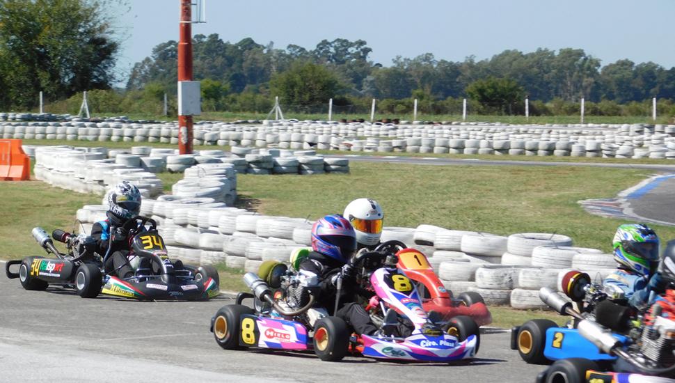 Fiamma Tabella durante la competencia realizada en el circuito de Zárate, por el campeonato 2019 del Kart Plus.