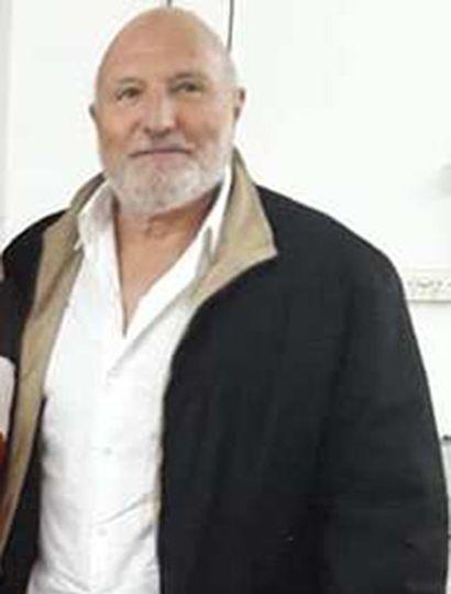 Hugo Déboli llega a Rivadavia de Lincoln.