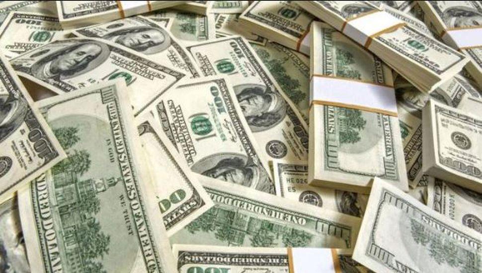 El dólar volvió a subir y cerró en $38,80