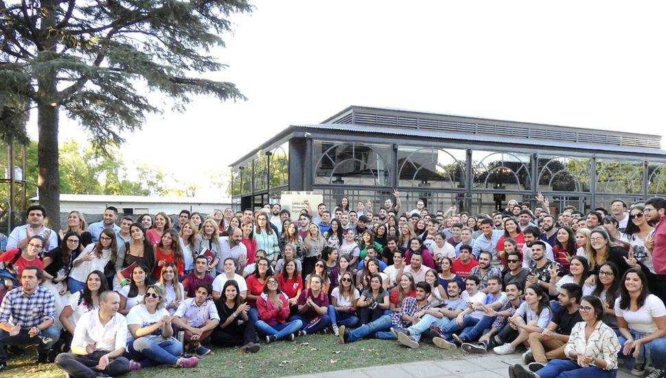 Foto grupal de los integrantes del Foro de Presidentes de la Juventud Radical bonaerense.