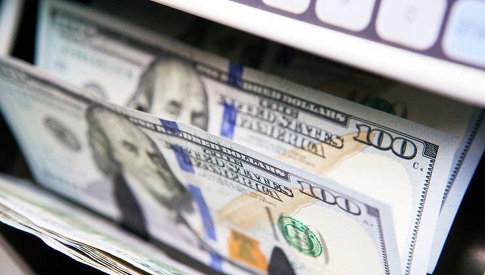Una cifra récord de argentinos compraron dólares en diciembre
