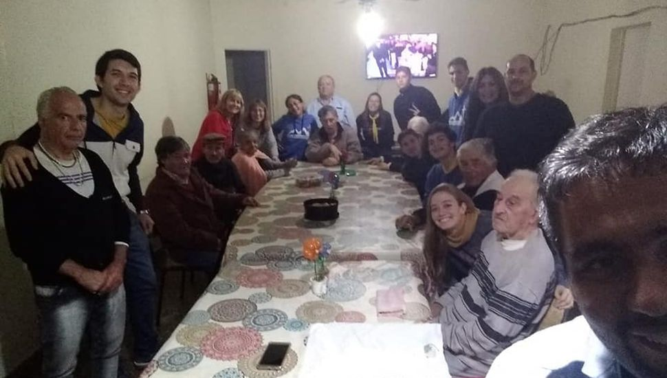 Integrantes de la Fundación y abuelos del Hogar Don Zoilo.