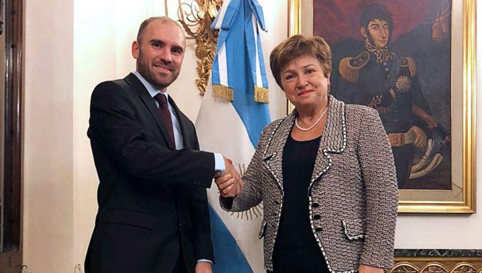 """Respaldo del FMI a Argentina: pide una """"apreciable"""" quita a acreedores privados"""