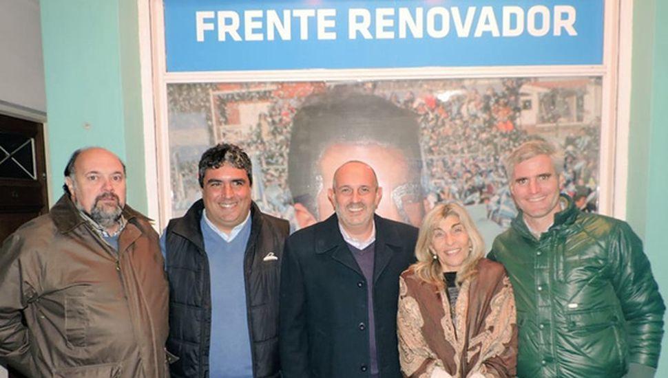 Guerrera en la ciudad de Bragado, con Mauricio Yafaldano y referentes del FR de Pehuajó.