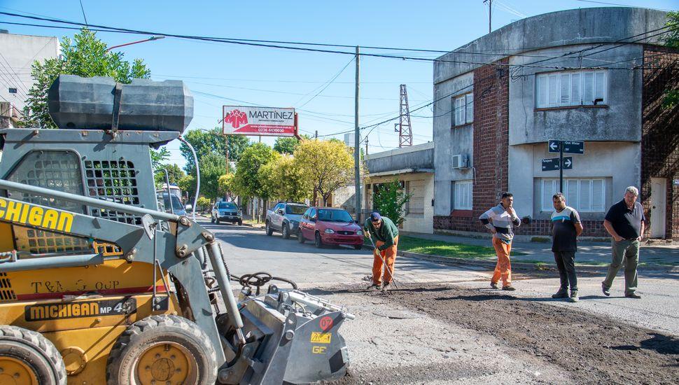 Pusieron en marcha un plan integral de reparación de calles asfaltadas