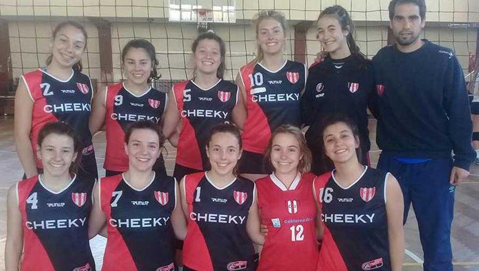 Conjunto de vóleibol Sub-18 femenino que finalizó cuarto.