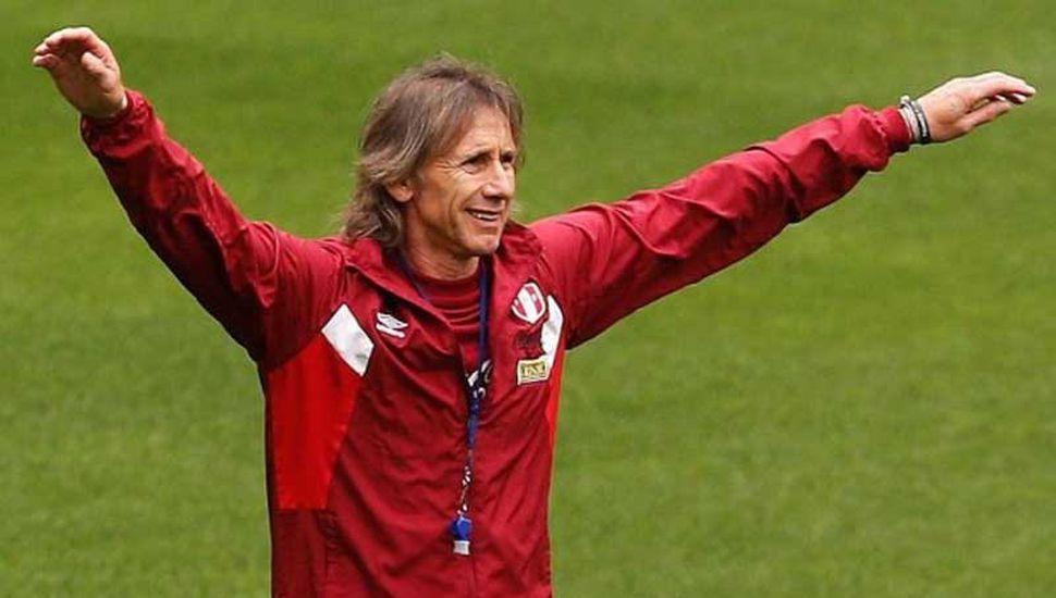 Ricardo Alberto Gareca, técnico argentino al frente de la selección de Perú.