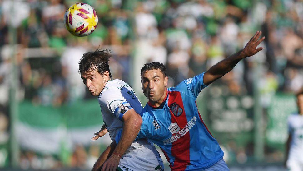 Con gol de penal, Arsenal le ganó Sarmiento