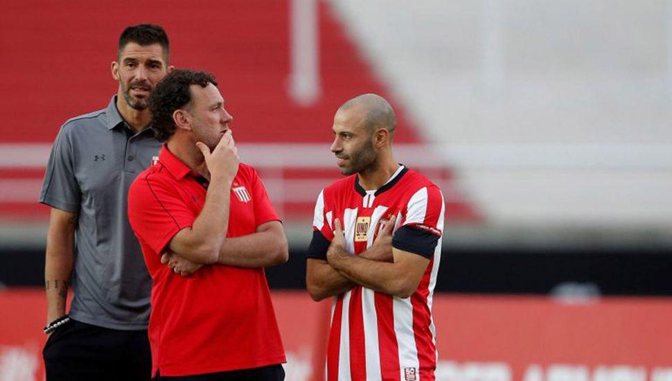 Mariano Andújar, Gabriel milito y Javier Mascherano.