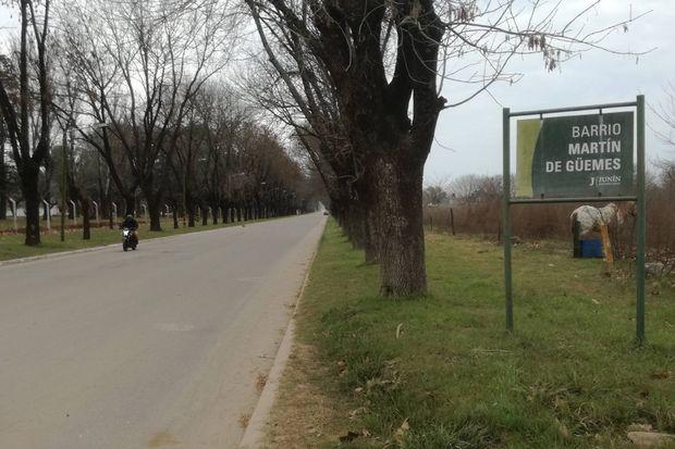 Los vecinos afirman que Soldado Argentino es muy peligrosa para el tránsito, por lo que solicitan reductores de velocidad.