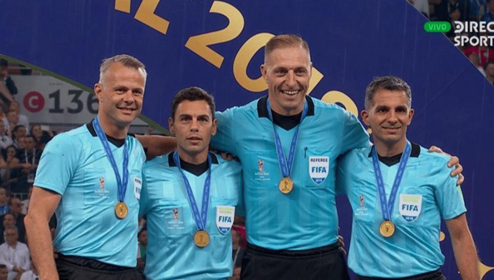 El holandés Bjorn Kuipers (cuarto árbitro), Juan Pablo Belatti, Pitana y Hernán Maidana.