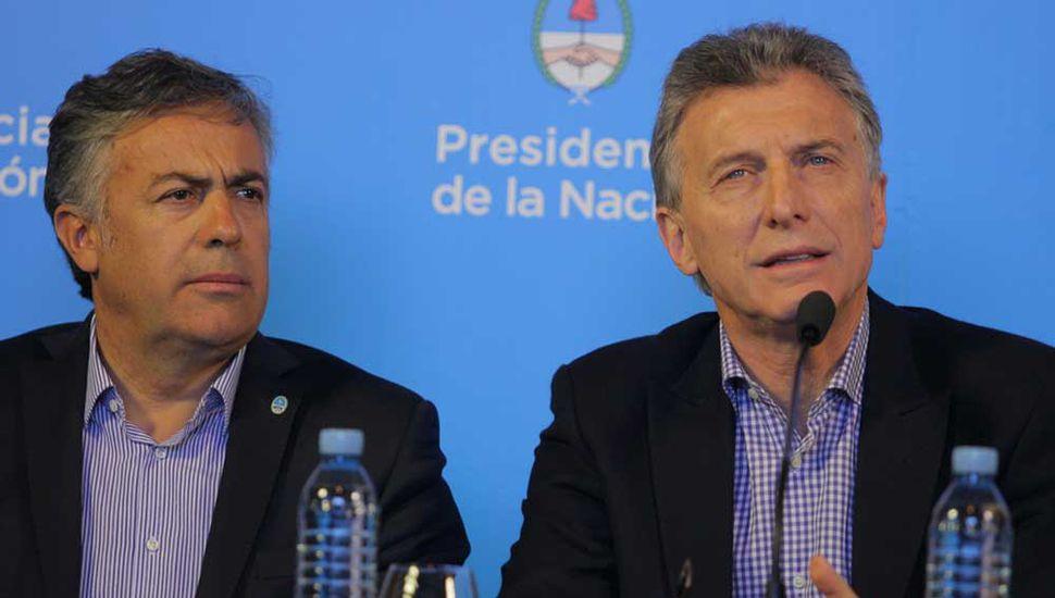 Macri llama a los radicales y negocia la vicepresidencia