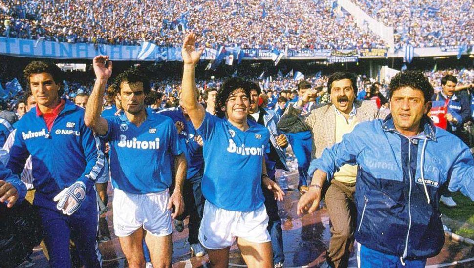 Un 17 de mayo de 1989, Nápoles salía campeón.