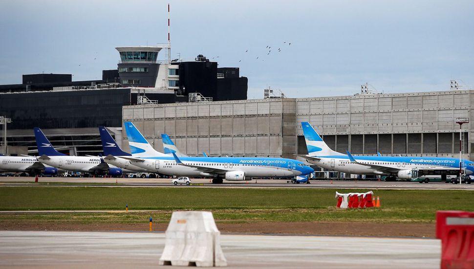 Trasladan a Ezeiza vuelos desde 10 provincias del país