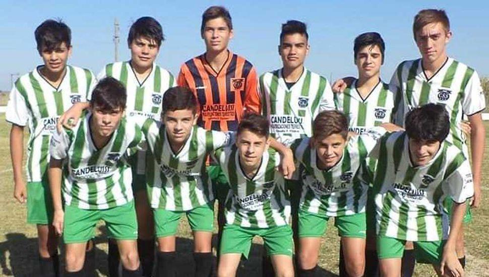 Plantel de quinta división de Sarmiento (G) que arrancó con una victoria.