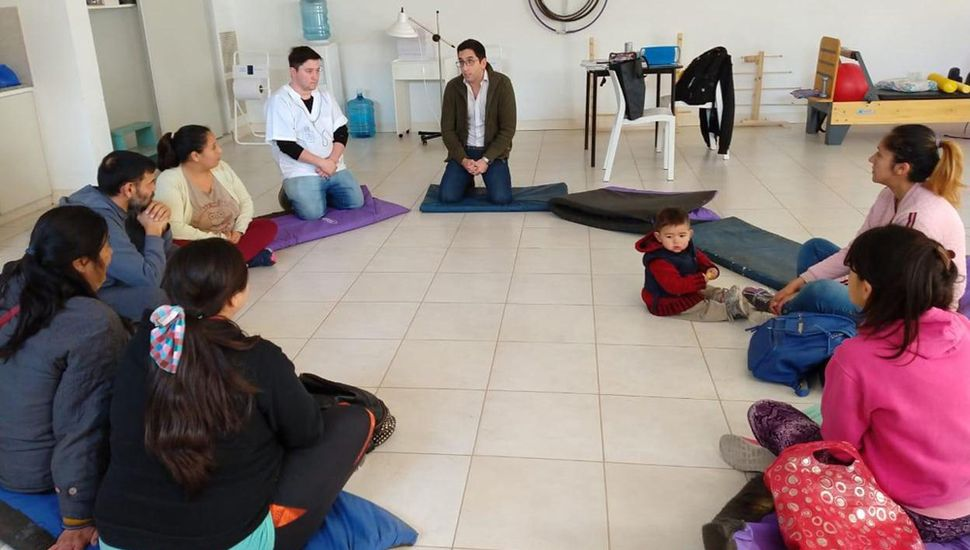 Los profesionales Cintia Reynaldi, Sergio Fernández y Karina Bravo aportaron sus conocimientos sobre la temática.