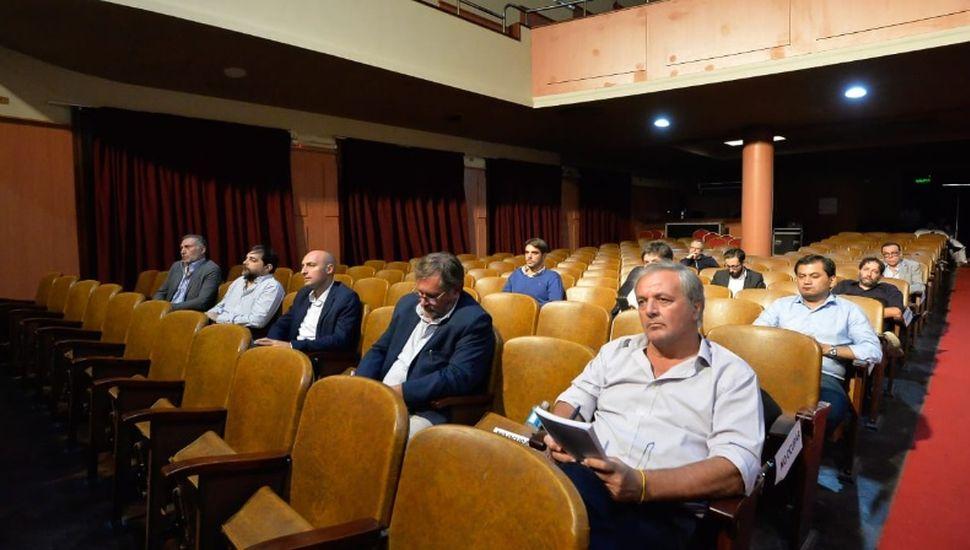 Rossi participó de la reunión de Kicillof con intendentes