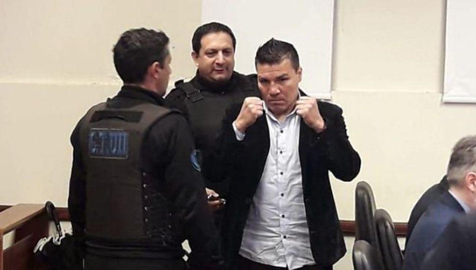 El ex boxeador Carlos Baldomir fue condenado a 18 años de prisión por abusar de su hija