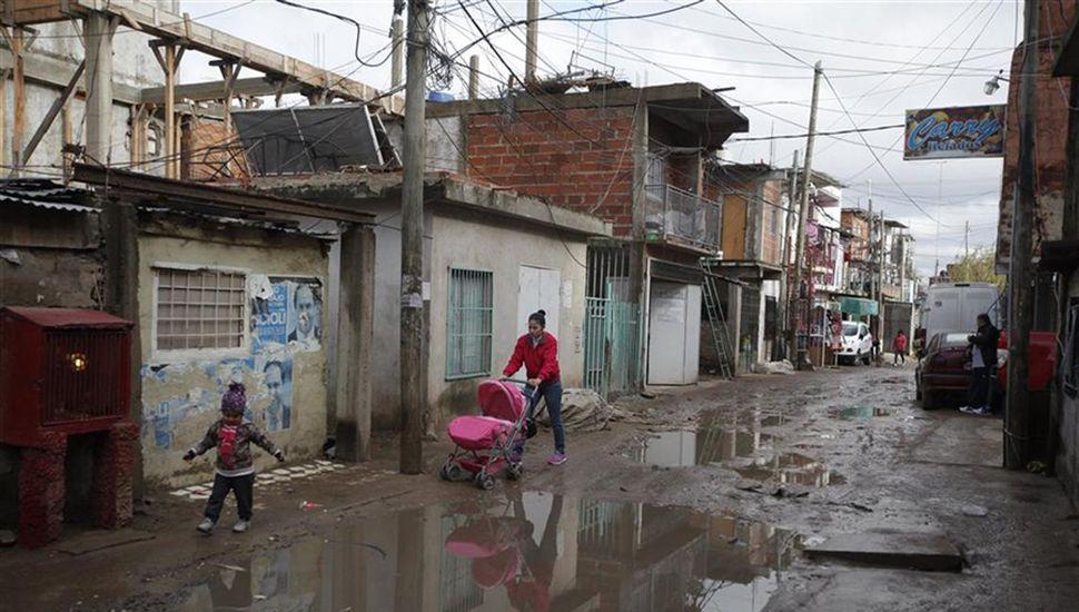 La pobreza es un flagelo que abarca a sectores cada vez más amplios de la sociedad.
