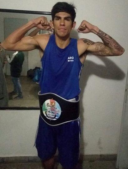 """El buen proyecto boxístico local, Francisco """"La Cobra"""" Olguín, protagonizará la pelea de fondo."""